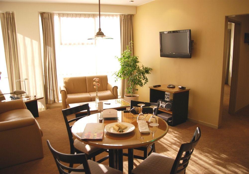 Casa Grande Suite Hotel - Image 1