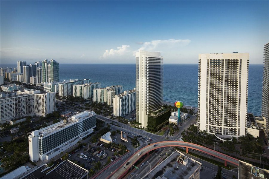 Hyde Beach Resort & Residences - Image 7