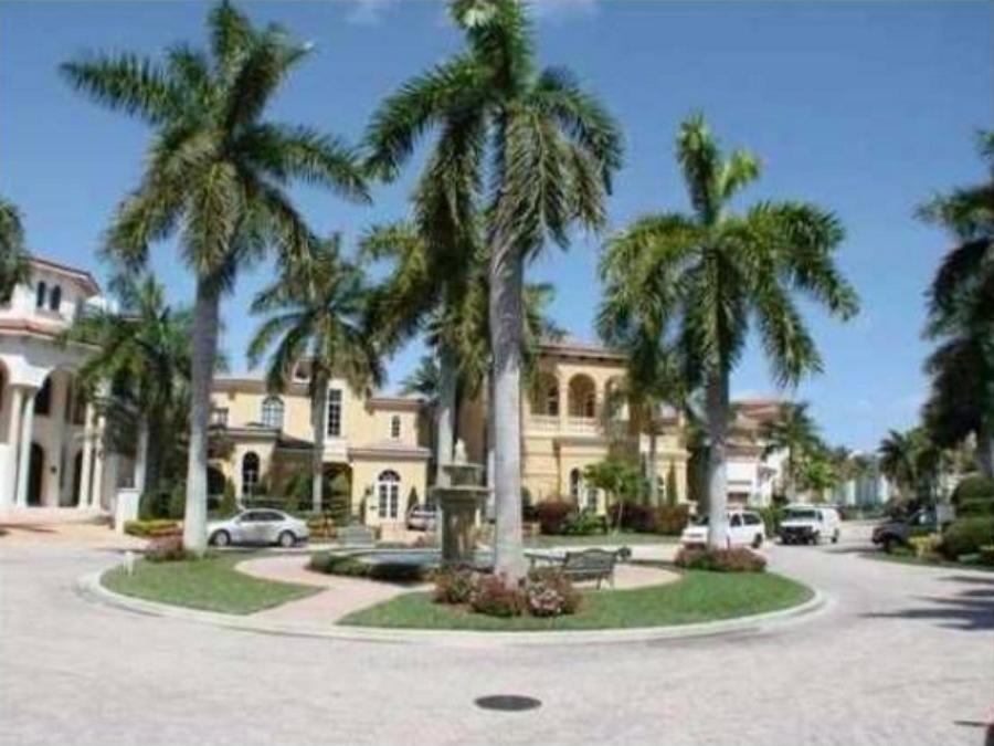 Island Estates Aventura