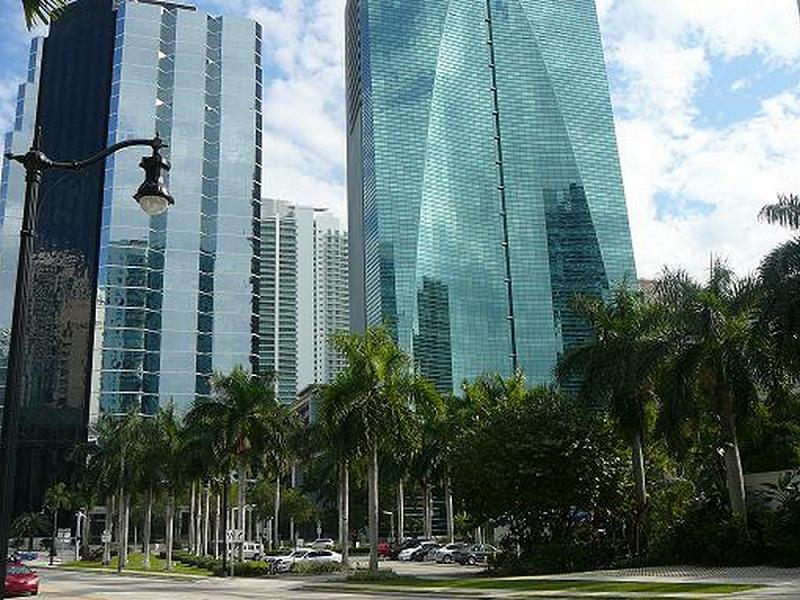 Espirito Santo Plaza - Image 6