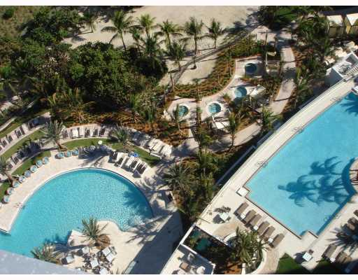 Ritz-Carlton Bal Harbour - Image 1