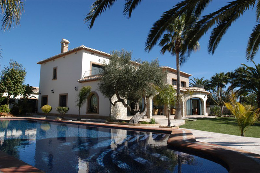 Luxury Home Sales In Miami Featured